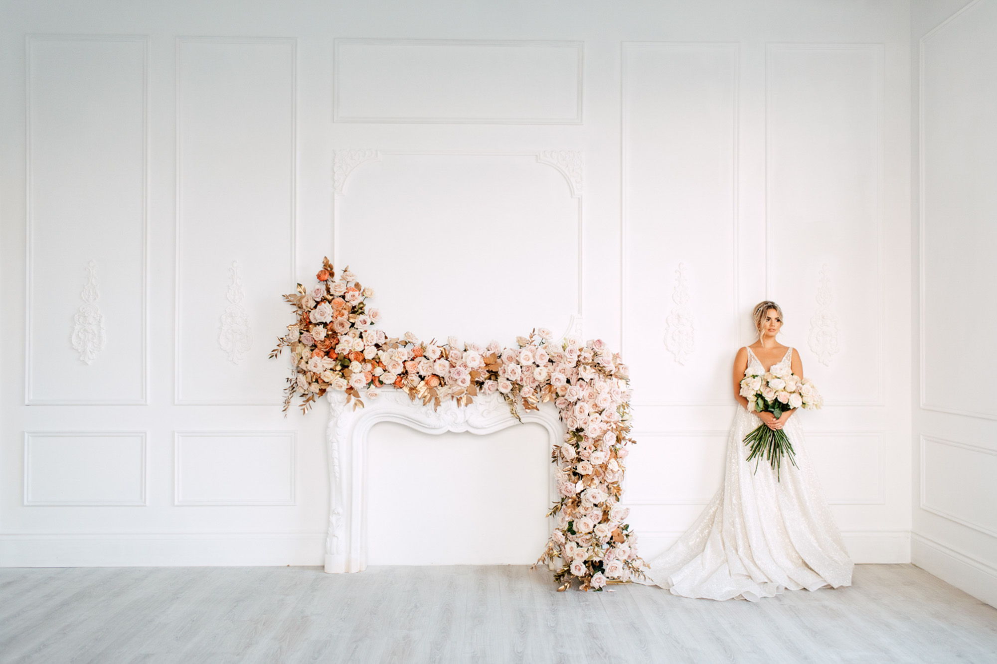 bride beauty white walls