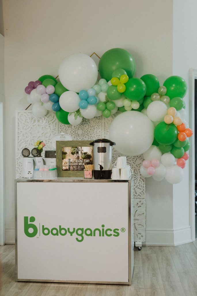 Baby Drink, Family Portrait, Baby Photo, Plant-based Baby Products, Baby Products