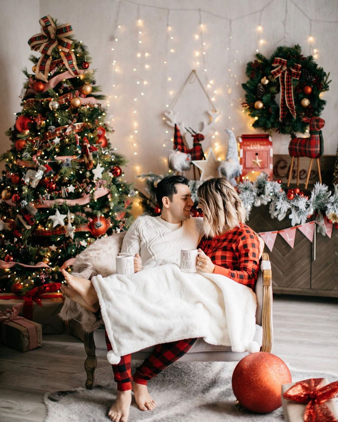 Christmas Cozy Couple Photo