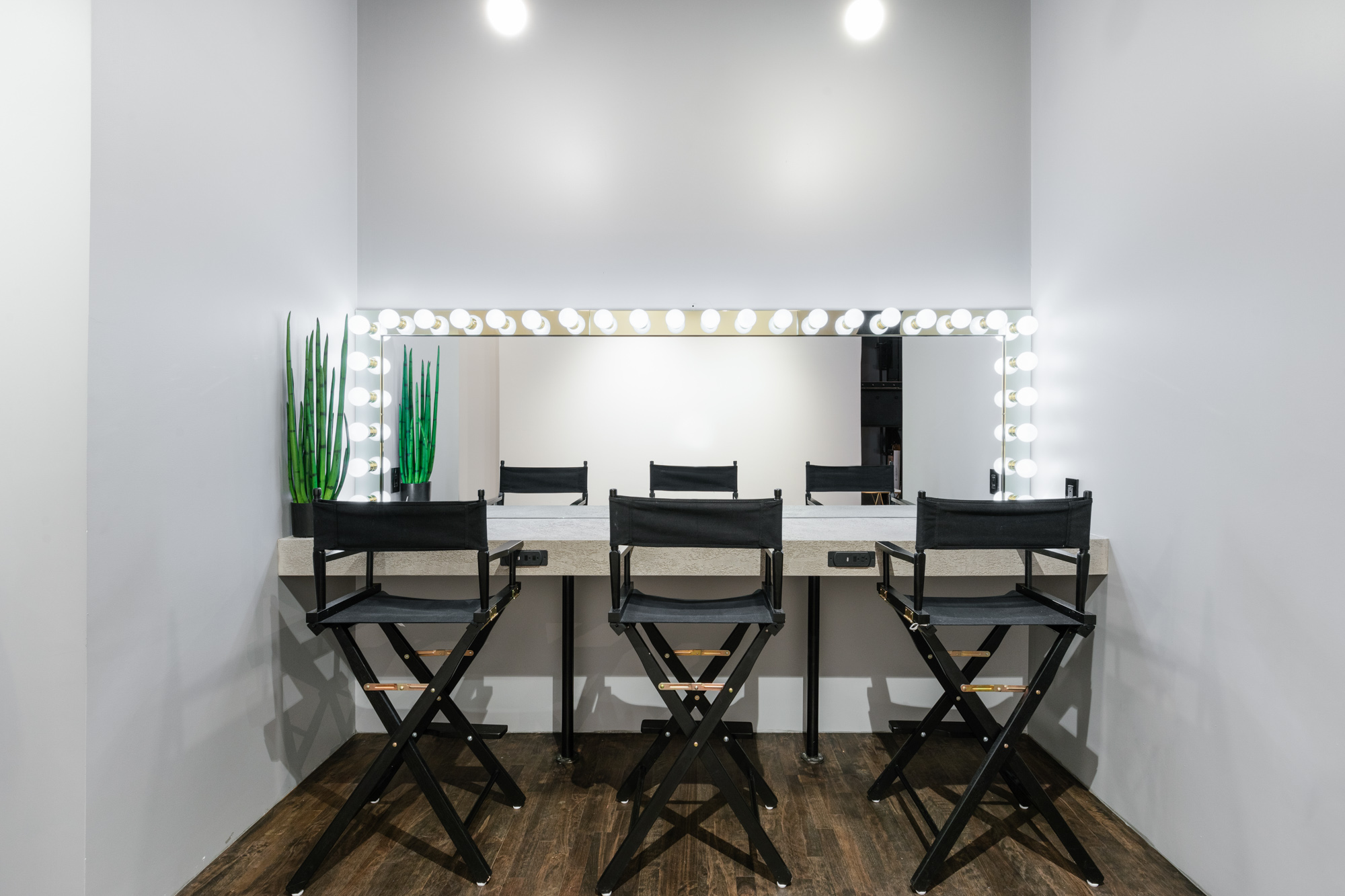 Makeup Table ate Preto Loft